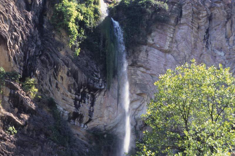Simão Correia - Cachoeira na Chapada dos Veadeiros